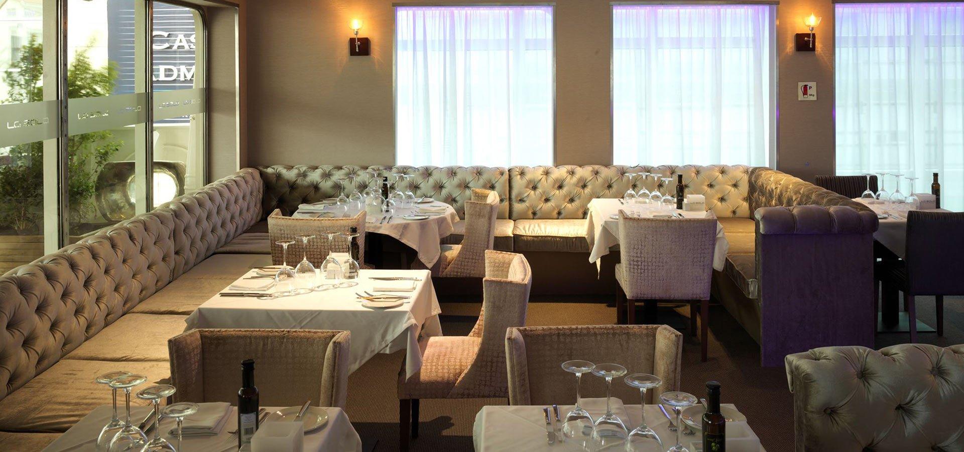 La Sala Gibraltar Restaurant Live Music Sunborn Yacht -> Imagem Para Sala